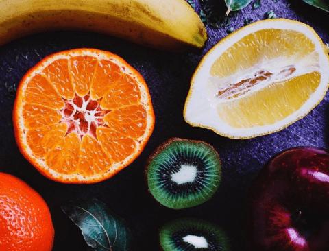 여름철 빨리 상하기 쉬운 과일, 신선하게 오래 보관하는 방법