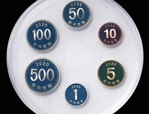 666원을 3만원에 파는 한국은행