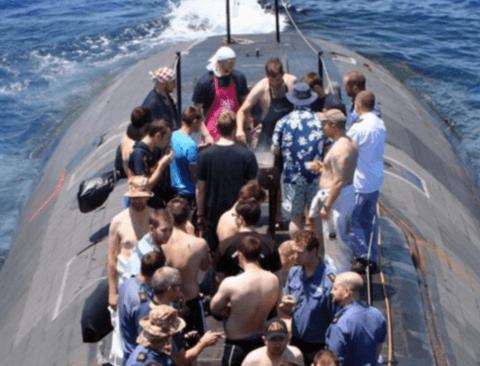 잠수함 부상시.jpg