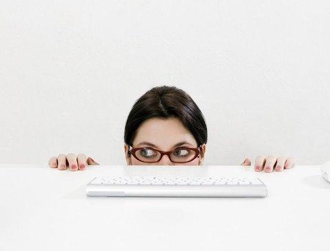 직장에서의 성공을 위해 절대 하지말아야 할 비밀 10가지