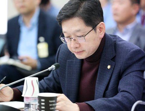 """김경수 """"일본 수출규제 산업생태계 재편의 기회"""""""