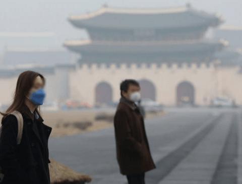 '일본 우익'이 말하는 미세먼지로 뒤덮인 한국 상황
