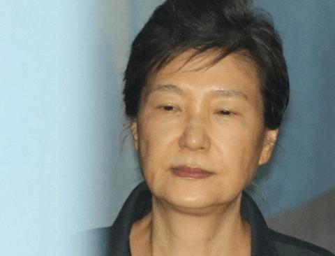 박근혜 무기징역 피하더라도 '징역 45년' 받을 가능성 높아
