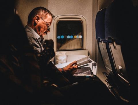 불편하고 피곤한 장시간 비행, 편하게 갈 수 있는 기내 꿀팁 5