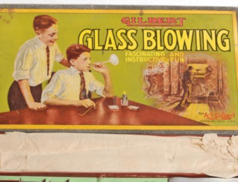 굉장히 무책임했던 옛날 아동용 장난감들 Top 8