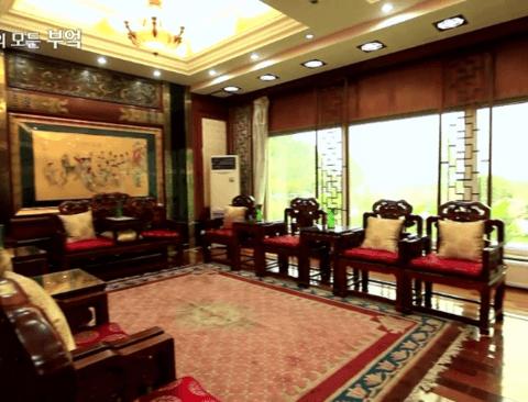 흔한 중국 부자의 밥먹는 스케일.jpg