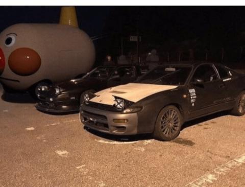 경찰에 잡힌 불법 개조 차량.jpg