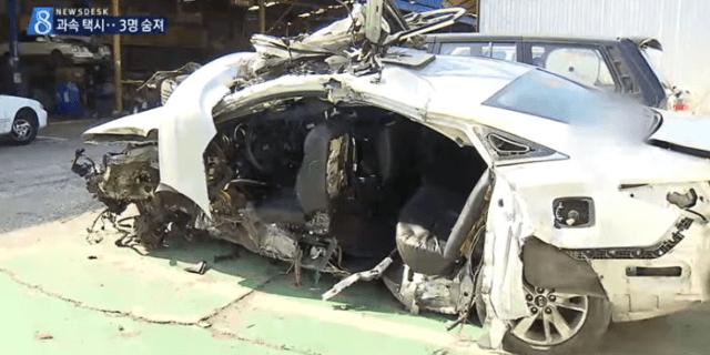 도심속에서 택시기사 과속 때문에 뒤에 타고 있던 여대생 2명 사망