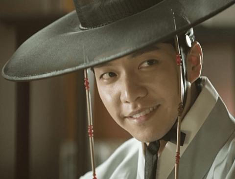 드라마, 예능 복귀하던 이승기, 영화 '궁합'으로 극장 스크린까지?