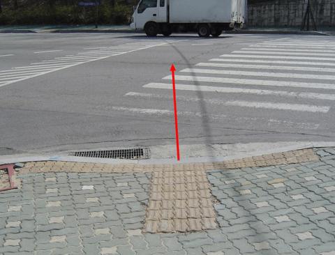 우리나라 보도블럭 특징.jpg