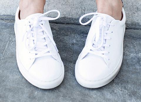 흰 운동화 버릴때까지 하얗게 신을 수 있는 비법 8가지