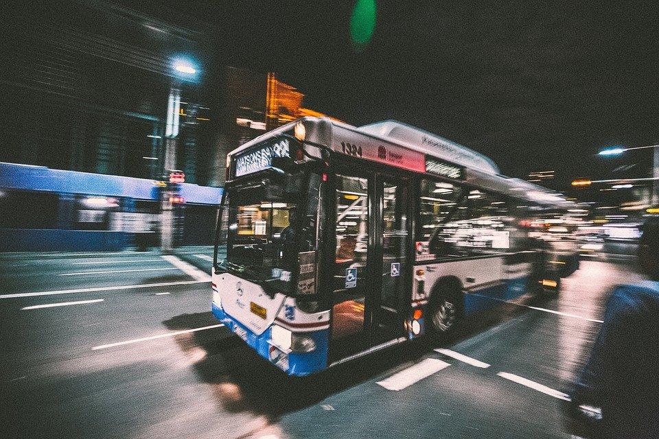 bus-2618756_960_720