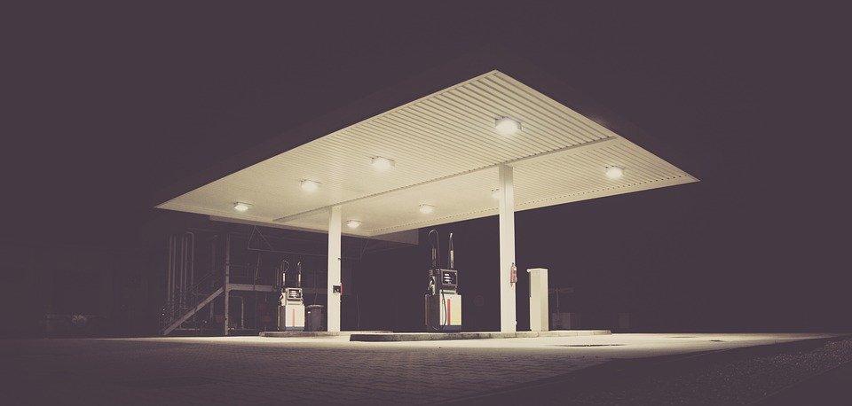 filling-station-1839760_960_720