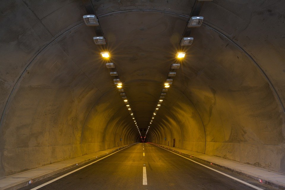 tunnel-2325753_960_720