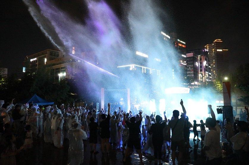 8월 창원문화페스타-야간공연 EDM파티 워터-붐.jpg