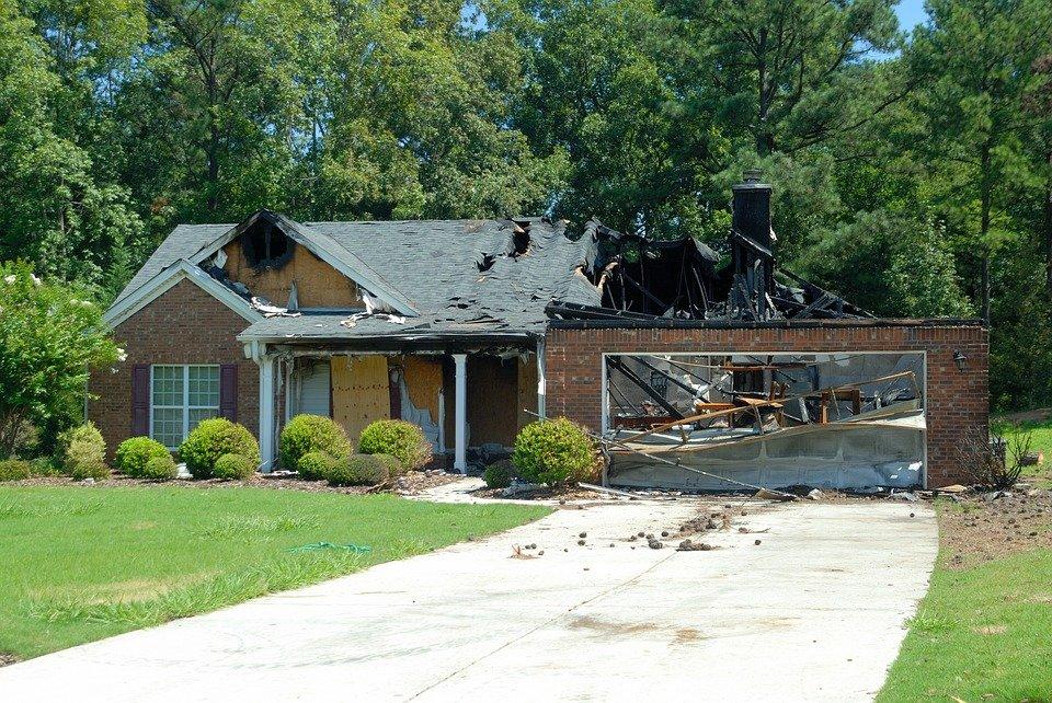 house-fire-1548285_960_720