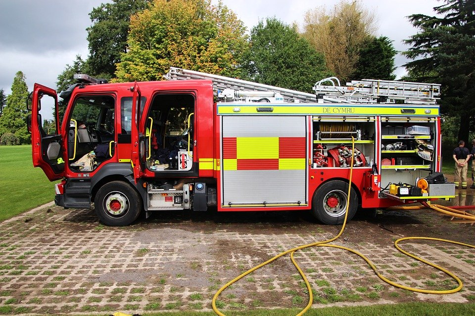 fire-engine-2732208_960_720