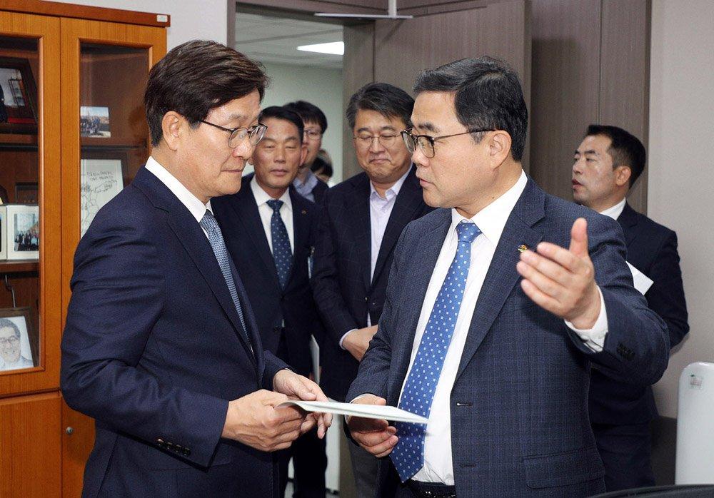 허성무 창원시장, 2020년 국비확보 끝까지 간다 (신동근 국회의원 면담).jpg